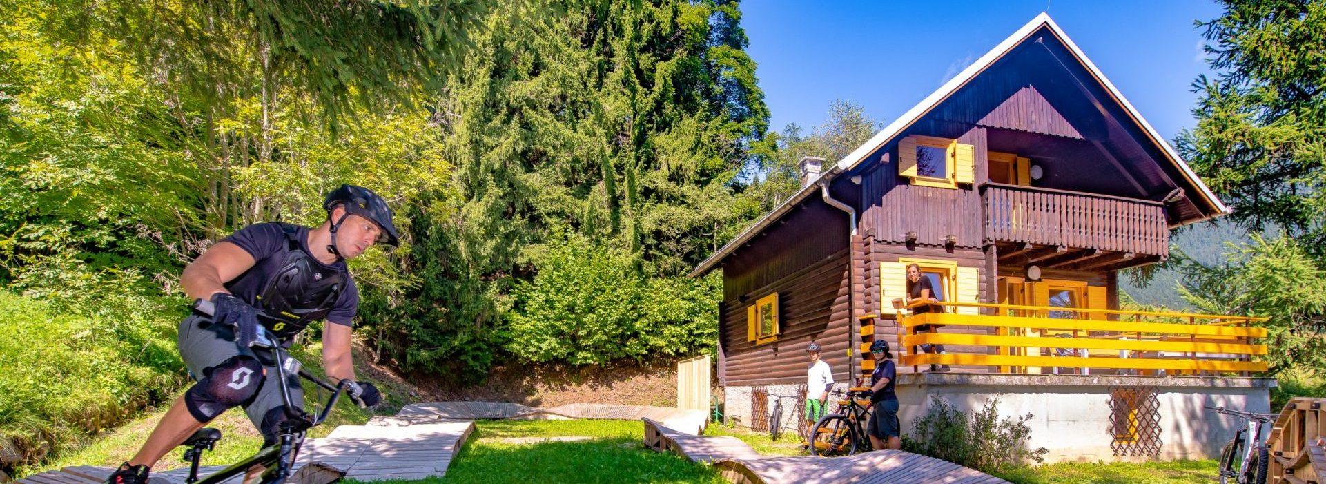 Gorsko-kolesarska koča / MTB hut